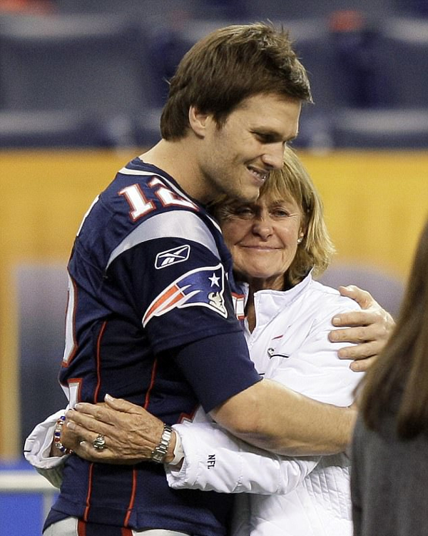 tom brady mother