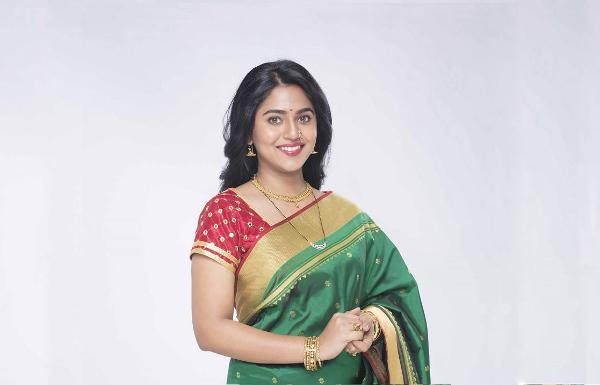Mrunmayee Deshpande Biography, Wiki
