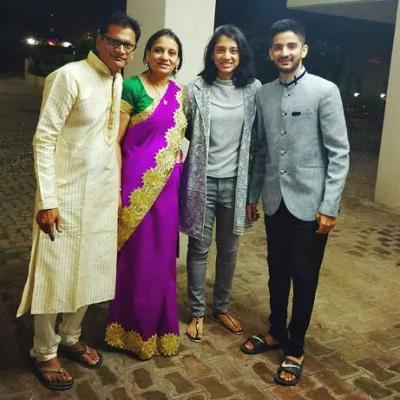 Smriti Mandhana Family Parents